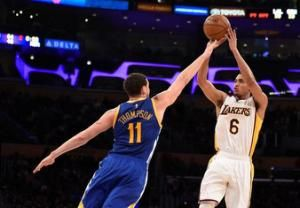 Lakers snap Warriors' seven-game streak