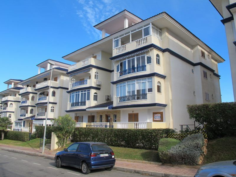 TOP FLOOR APARTMENT IN LA MATA NEAR TORREVIEJA   The Apartment Is On The 3rd  Floor In A Building With An Elevator. Built In Area Is 55 Sq.m. And It Is  Sold ...