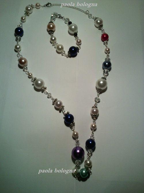 molto carino e8f6b d9508 Collana con perle grandi in resina, componenti in alluminio ...