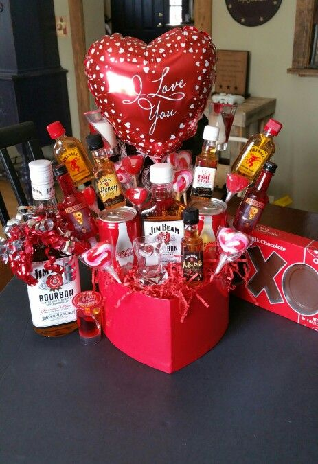 Jim Beam bouquet Jim Beam, Valentines Day Gifts For Him, Fun Projects, Beams
