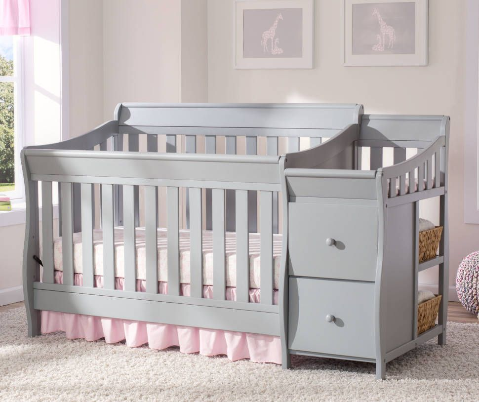 Naomi 4 In 1 Standard Convertible Crib And Changer In 2020 Cribs Master Bedroom Nursery Convertible Crib