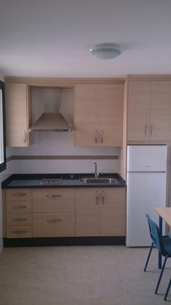 Cocina De Melamina Para Piso De Alquiler Diseño Muebles De Cocina Decoracion De Cocinas Sencillas Remodelación De Cocina Pequeña