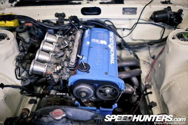 Toyota 4AGE Engine with Individual Throttle Bodies   Aftermarket