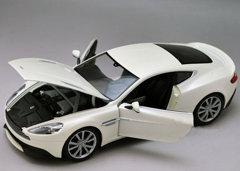 Merveilleux Aston Martin Vanquish Vehicles White 1/24 Alloy Diecast Car Model  #Unbranded #AstonMartin
