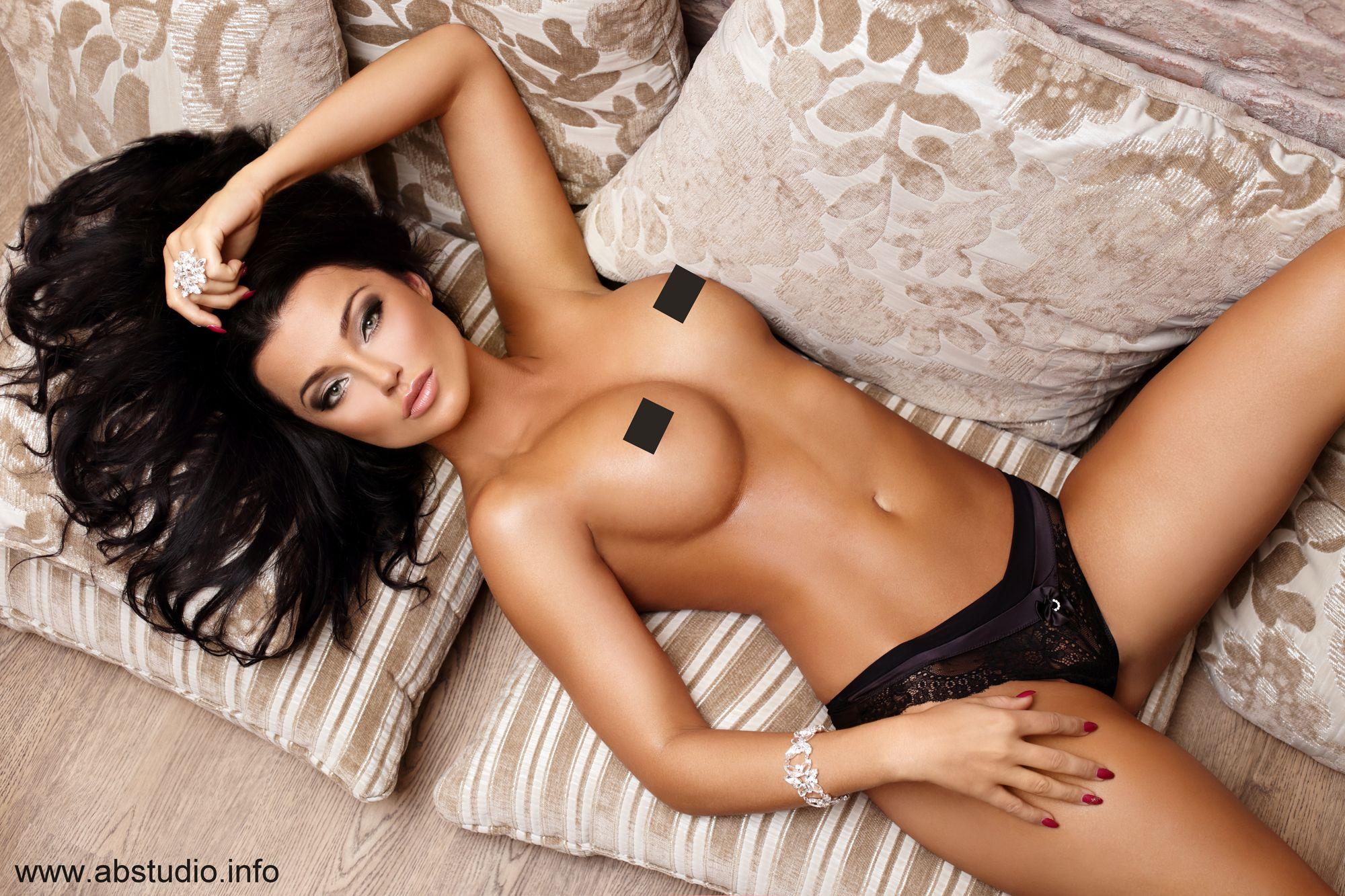 Nude hot video strip