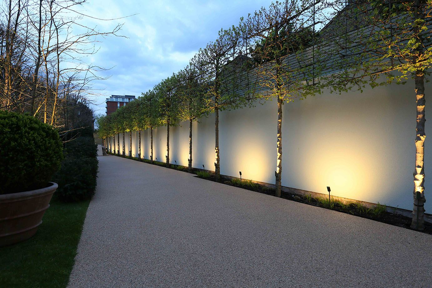 John cullen garden exterior outdoor lighting 79a hotel for Exterior lighting design