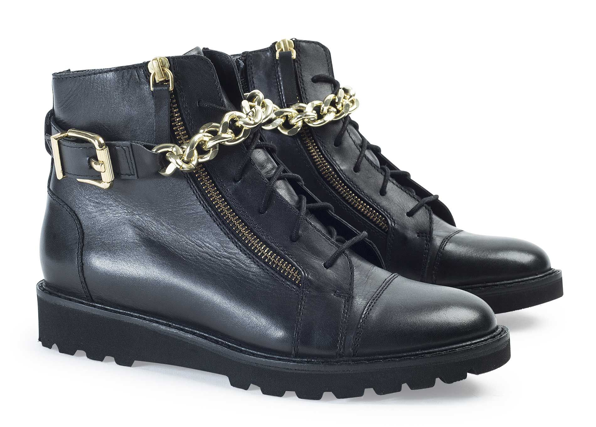 Nos #Boots PETRA 129,00€ pour un style d'inspiration très