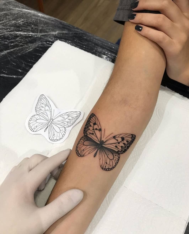 """Photo of ɪɴsᴛᴀᴛᴛᴏᴏ2 🎨🇧🇷🏠 on Instagram: """"Borboleta / butterfly 🦋❤ Feito por @willianlealtattoo Gostaram? 😍 Deixe seu comentário. . . . . . #tatuagens#instatattoo#tatuagemsp…"""""""
