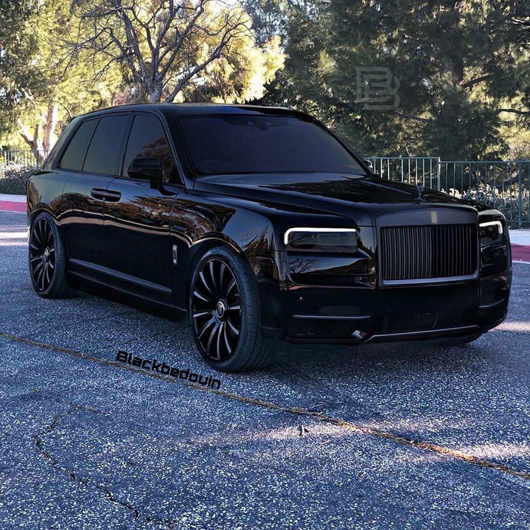 Rolls-Royce Cullinan 🔥 Tag Your Friends