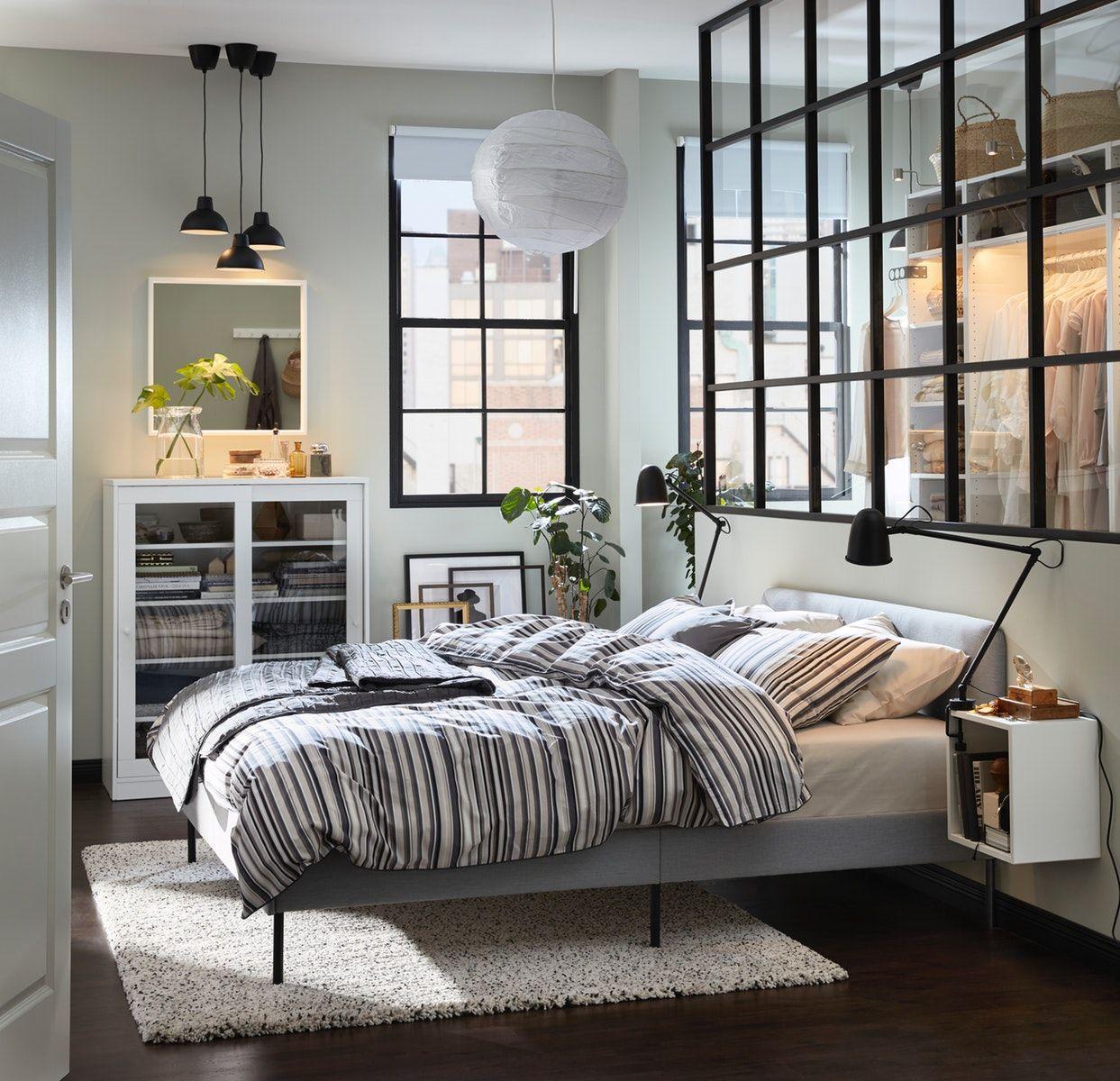 Chambre à coucher chic et urbaine