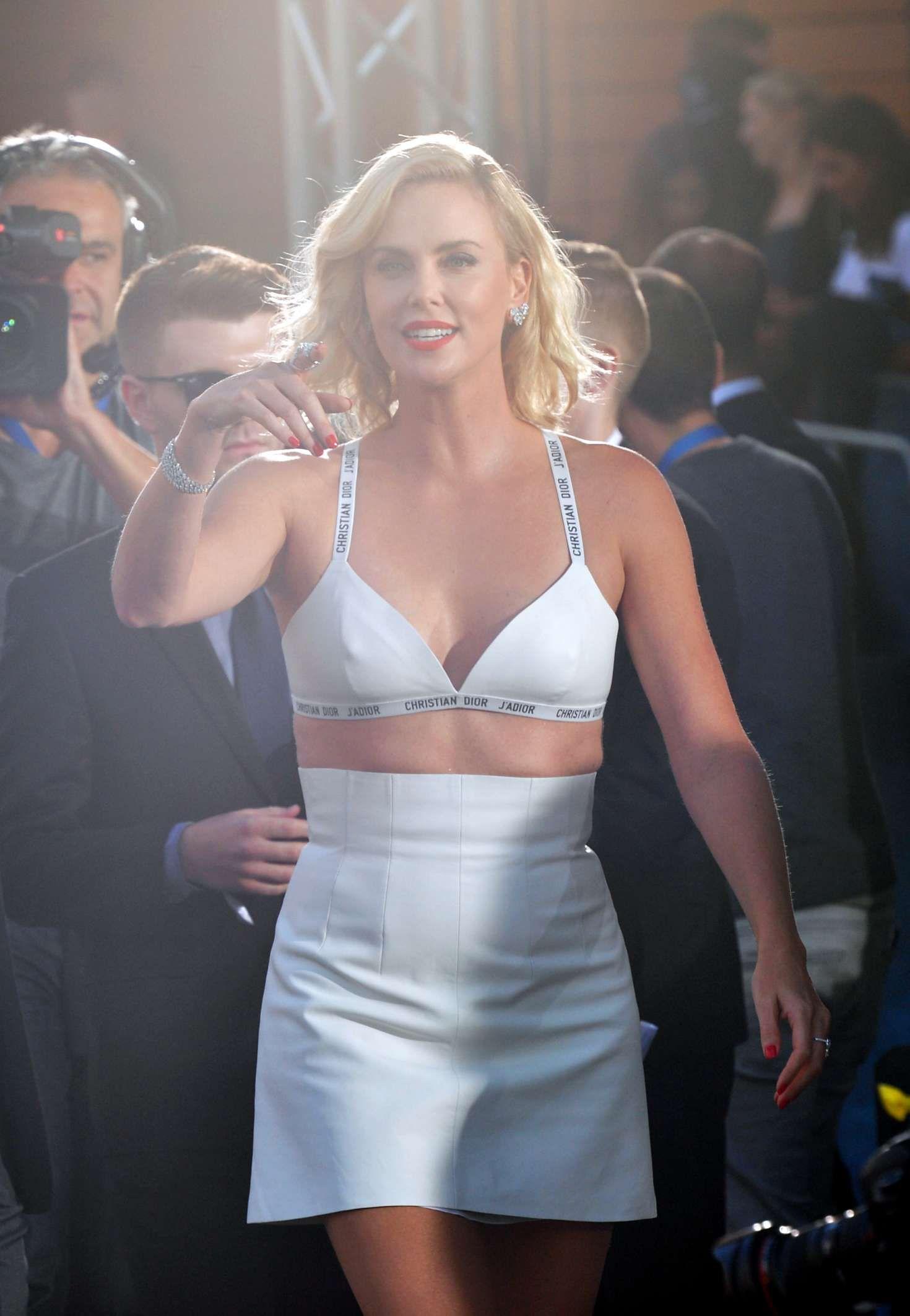 Sexiest 🌷 top celebrities 10 Womens Tops,Summer