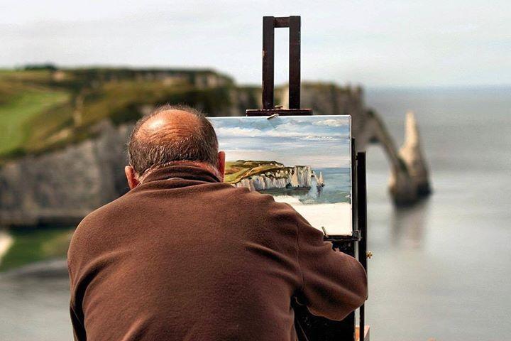 Like Monet #etretat #normandie #france #painting #cliffs #landscape #artist #seascape #beautiful #beach #amazingview #travel #instadaily #painter #mss #view http://ift.tt/2aI7X6H