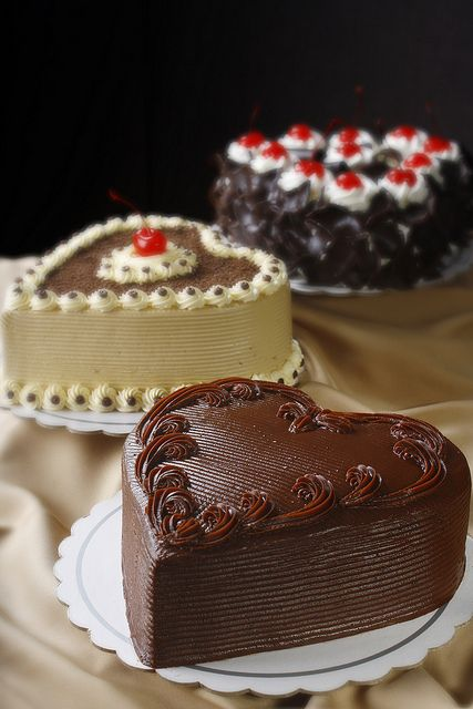 yummy heart shaped cakes from max's