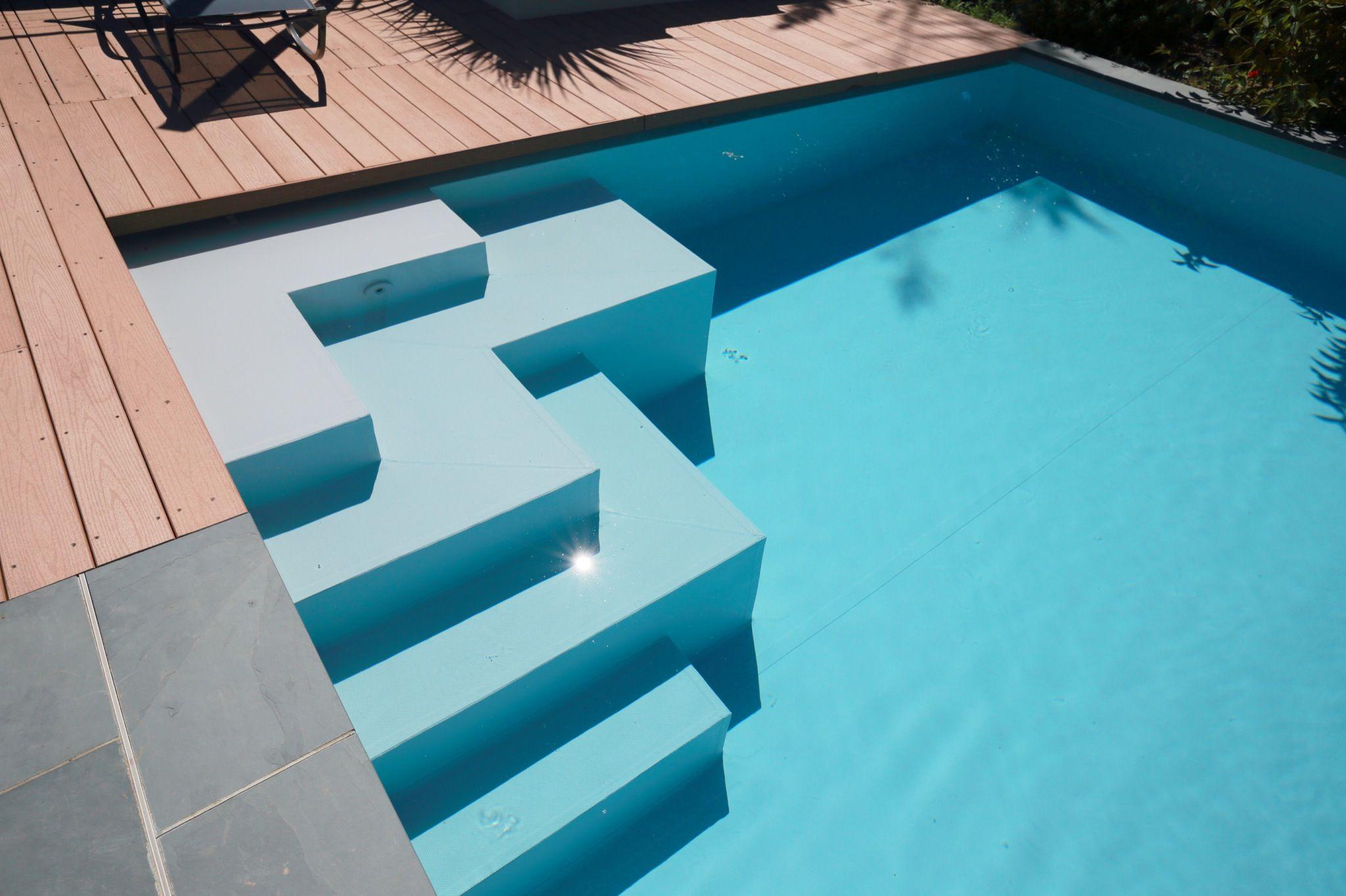 L 39 esprit familial par l 39 esprit piscine 10 75 x 5m - Plage piscine pierre naturelle ...