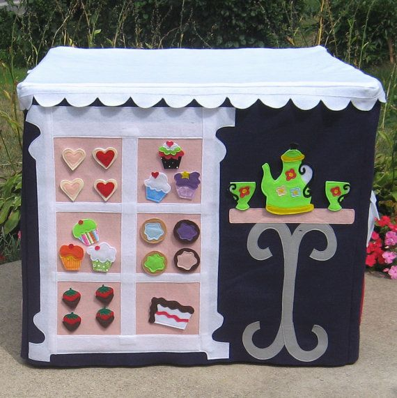 Trixie would love this (felt playhouse that sits on a card table!)