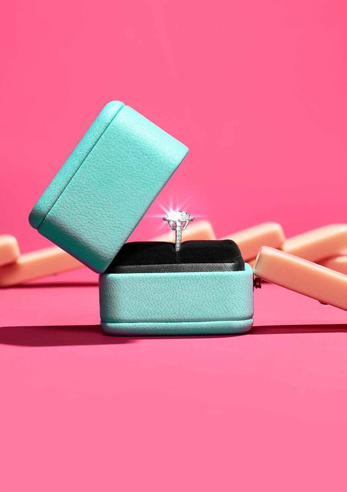 The best domino effect yet. The Pavé Tiffany® Setting in platinum ...