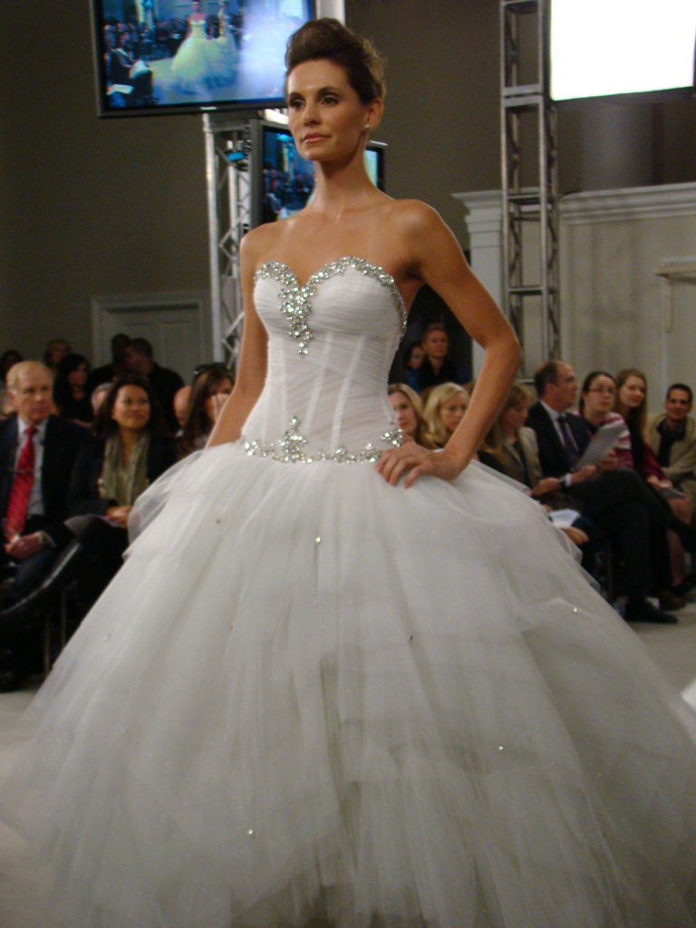 Pnina Tornai strapless ball gown with crystal embellished sweetheart ...