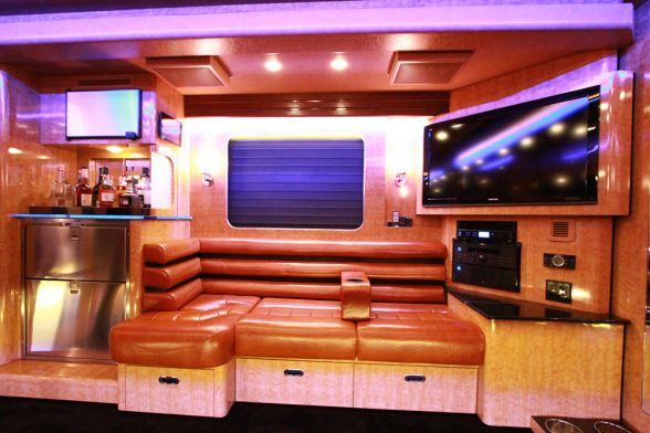 Check Out Gary 39 S Awesome Living Room With Huge Flat Screen