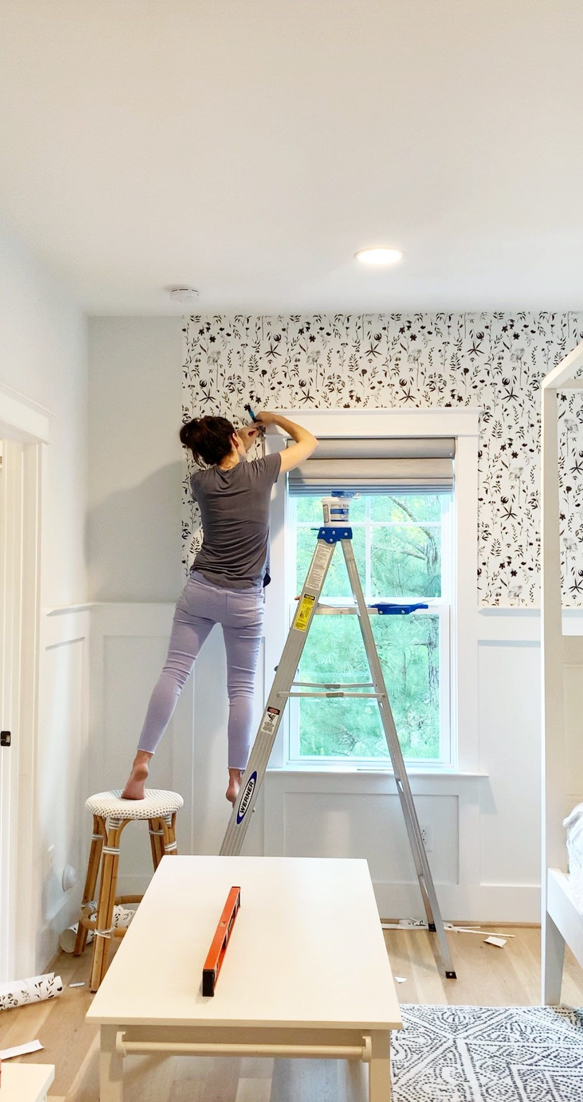 How To Hang Wallpaper For Total Beginners How To Hang Wallpaper How To Install Wallpaper Diy Wallpaper