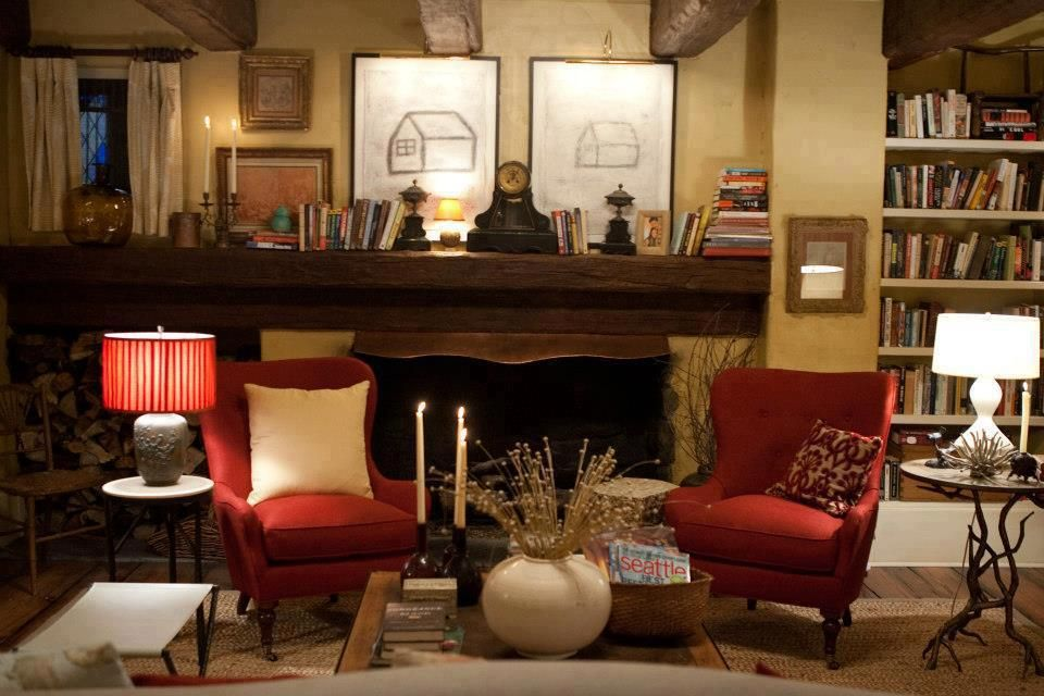 Edward And Bella S Cottage Interior Design Shapeshifters So What Are You Photos The Cottag Cottage Breaks Cottage Living Rooms Cottage Interiors