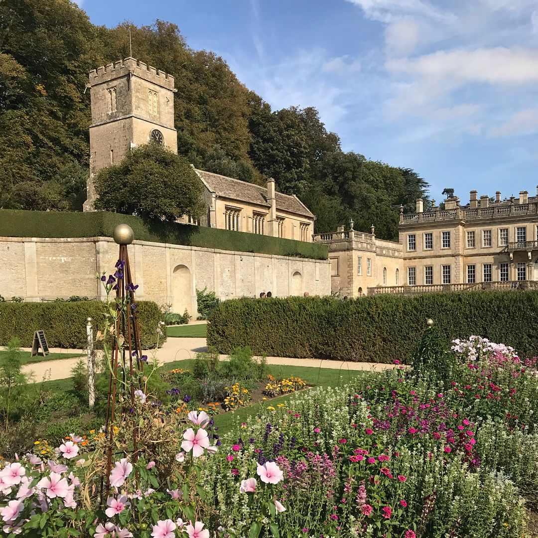 More Views Of Dyrham So Pleased To See They Have Reinstated The Garden Footprint Of C1700 As Depicted In T English Country Gardens Garden Design Formal Garden