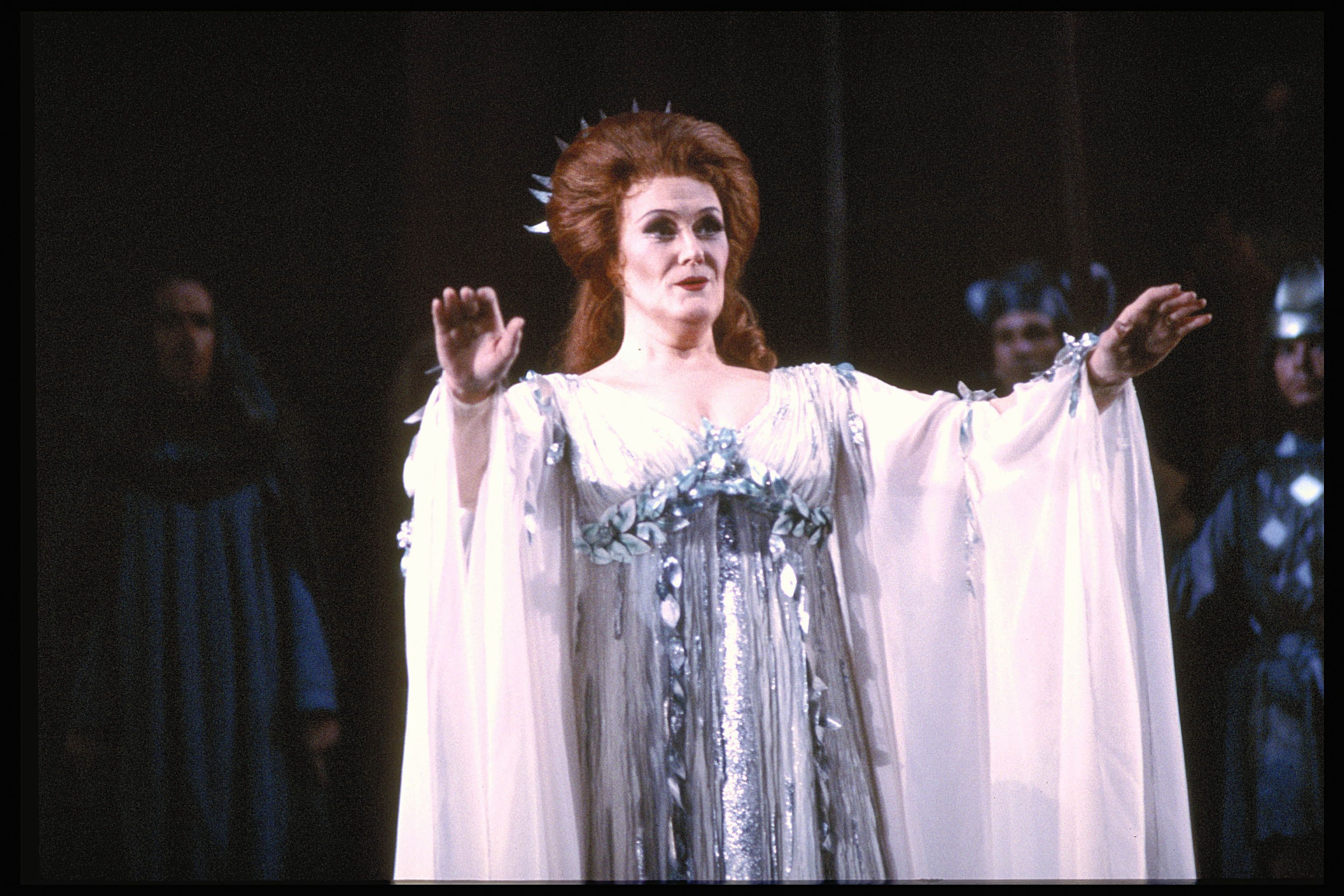 Casta Diva Lyrics What Does The Famous Aria Casta Diva Mean Joan Sutherland Classical Opera Diva