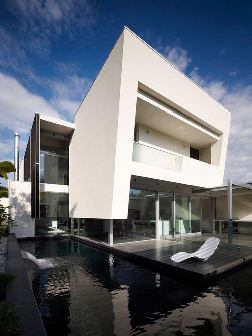 Exemple du0027une façade de maison tendance à un étage Architecture - exemple de facade de maison