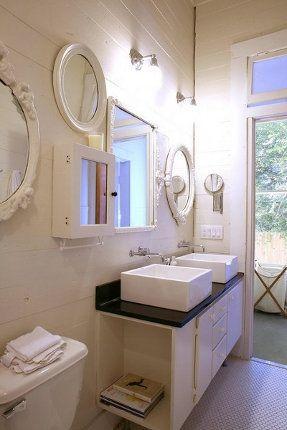 łazienka Z Dwoma Umywalkami Bathroom With Two Sinks Photo