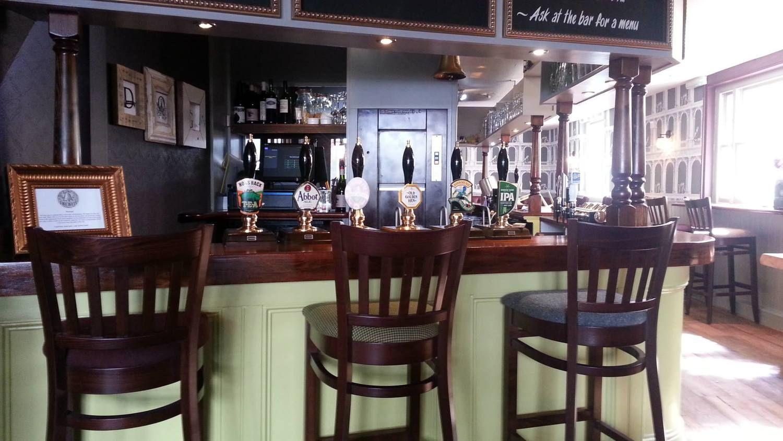 Lime Green Painted Bar Frontthe Bell Reigatetibbatts Abel Captivating Dining Rooms Reigate Design Decoration
