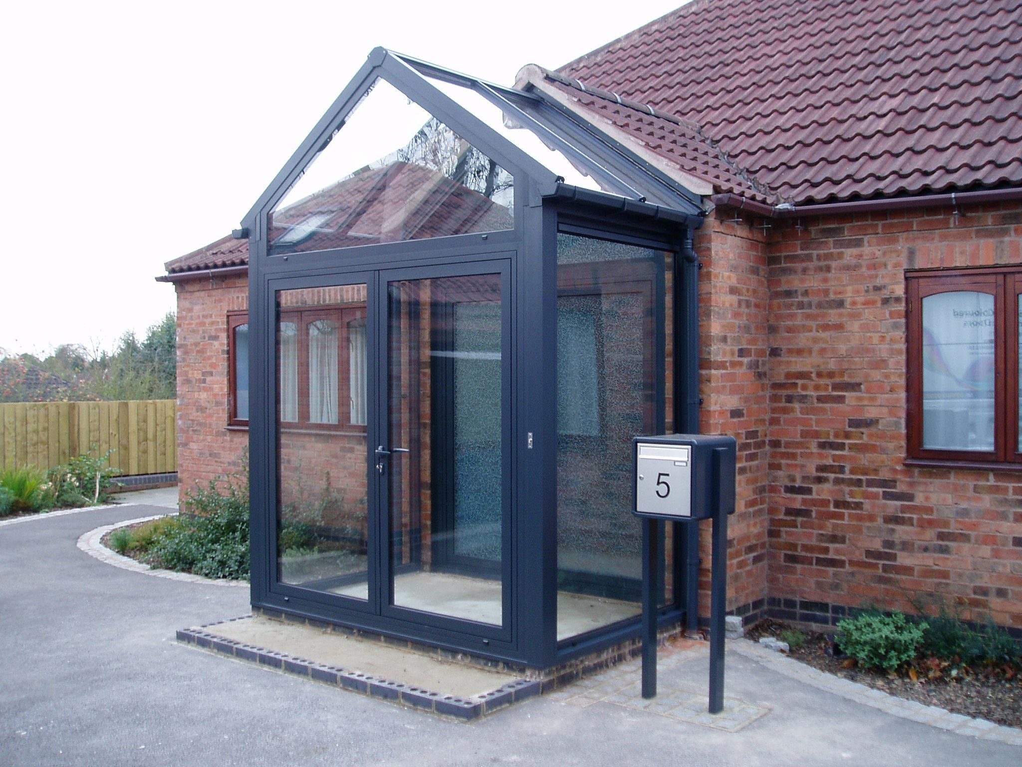 Entrance Porch With Glass Apex And 2048 1536