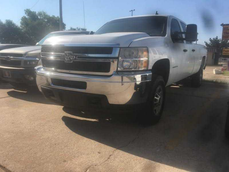 This 2013 Chevrolet Silverado Is For Sale In Oklahoma City Ok Price 11777 00 Mileage 267553 Color White Fuel Ty In 2020 Buy Used Cars Jeep Grand Hyundai Elantra