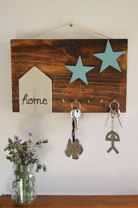Cuadro decorativo elaborado con madera de palets con capacidad para ...