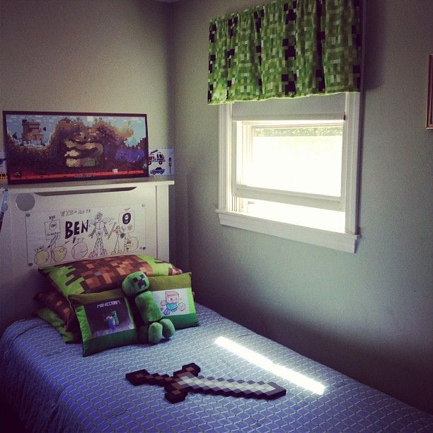 Ben S Minecraft Themed Bed Room Minecraft Room Minecraft