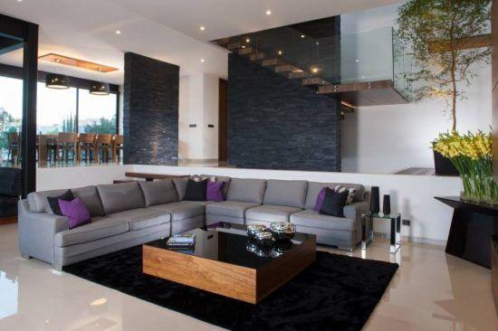 Sala en desnivel sal n pinterest decoraci n de for Casa minimalista a desnivel