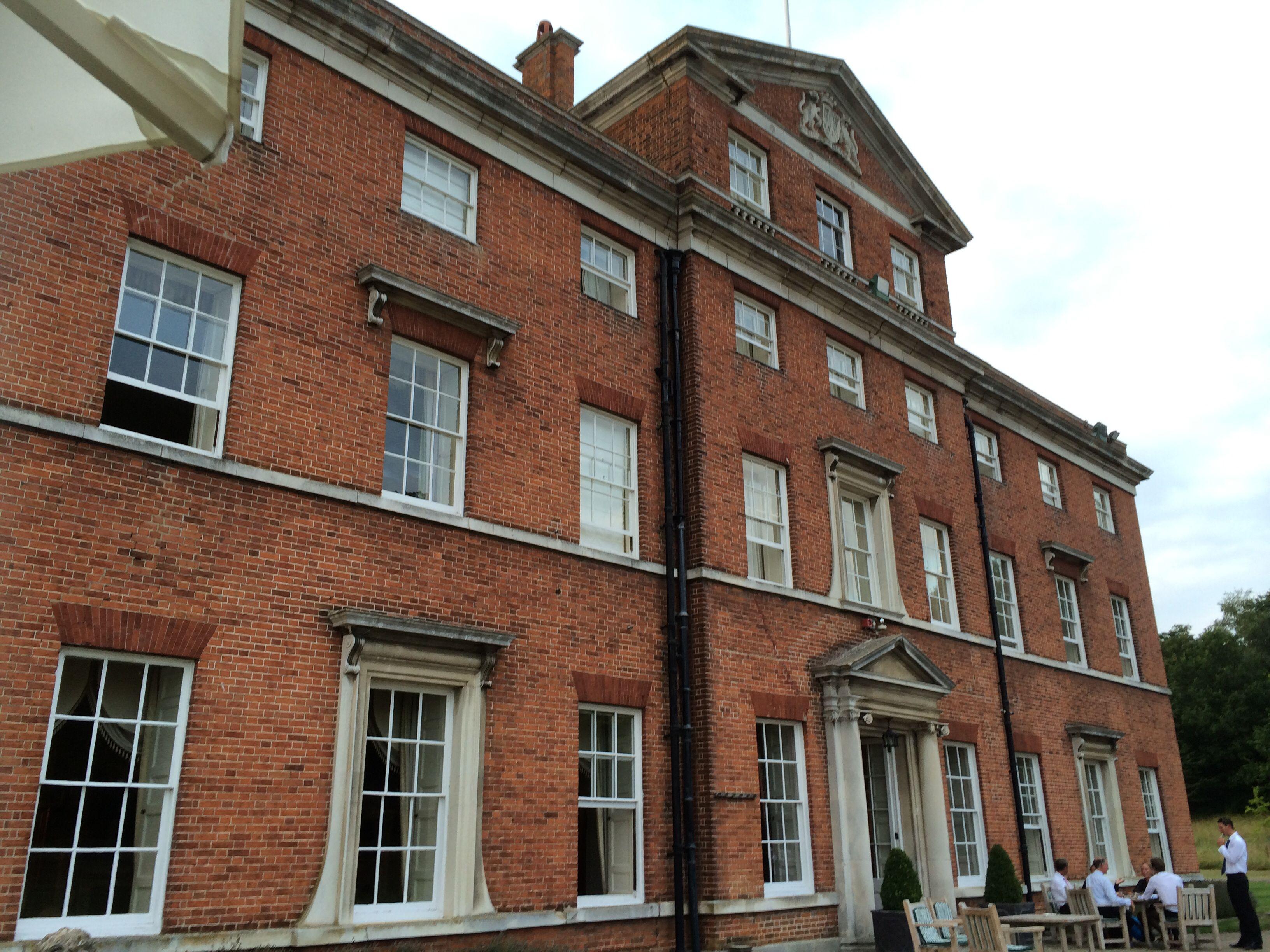 Brocket Hall, Welwyn Garden City, Hertfordshire | En Halls, Palaces ...