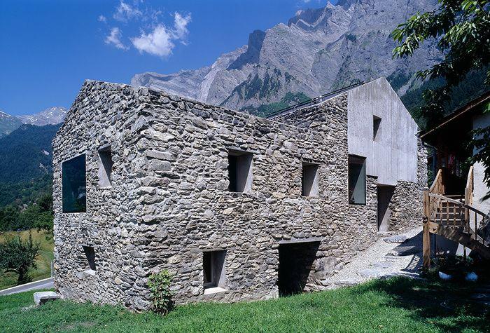 Домик в швейцарии оформление недвижимости в испании