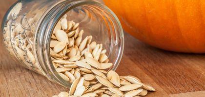 How to Bake Pumpkin Seeds | eHow