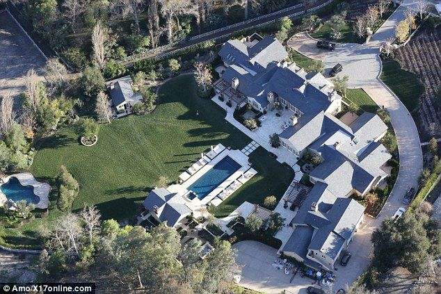 Kim Kardashian And Kanye West Move In To 20million Mansion Daily Mail Online In 2020 Mansions American Mansions House Goals