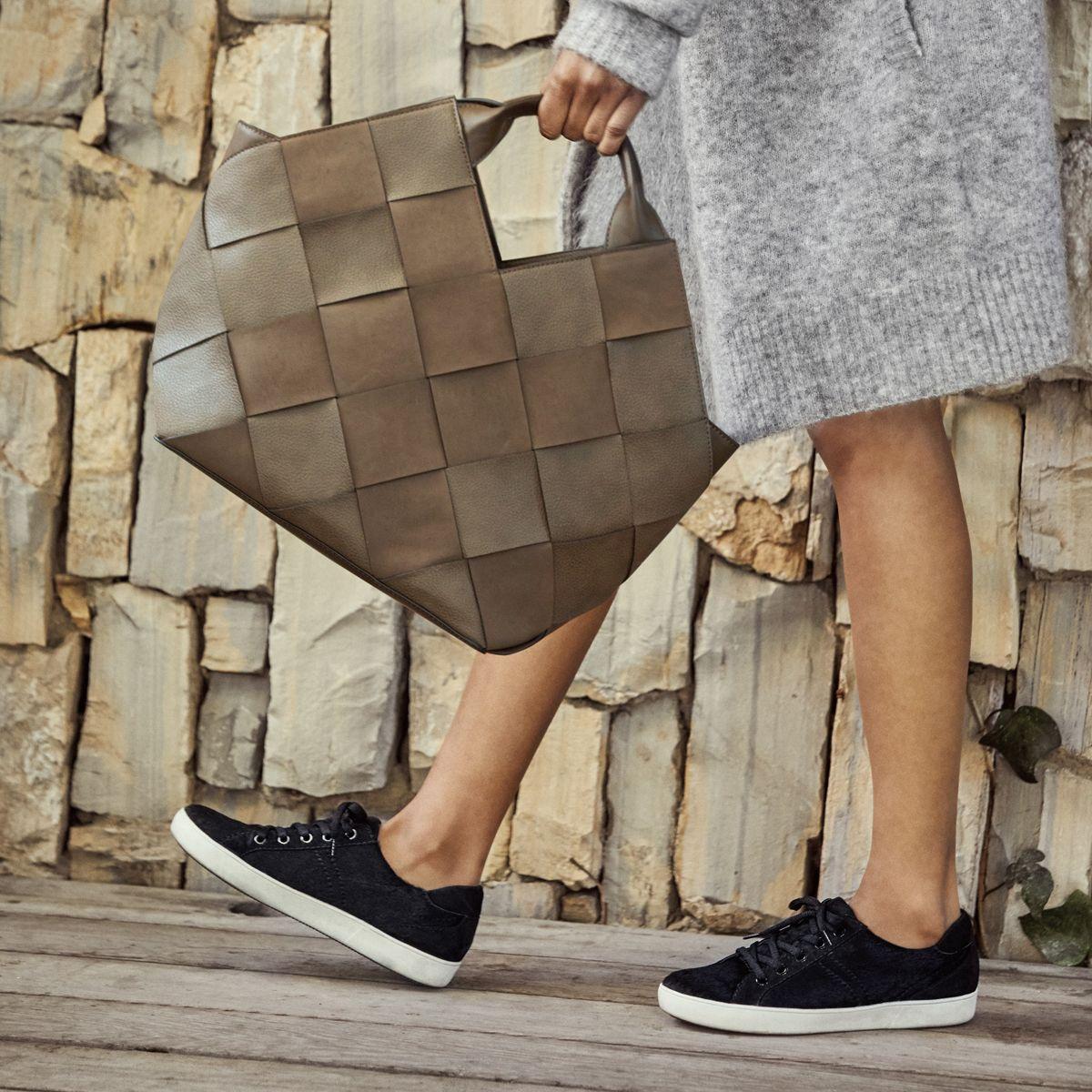 GRECIA tote and MORRISON sneaker