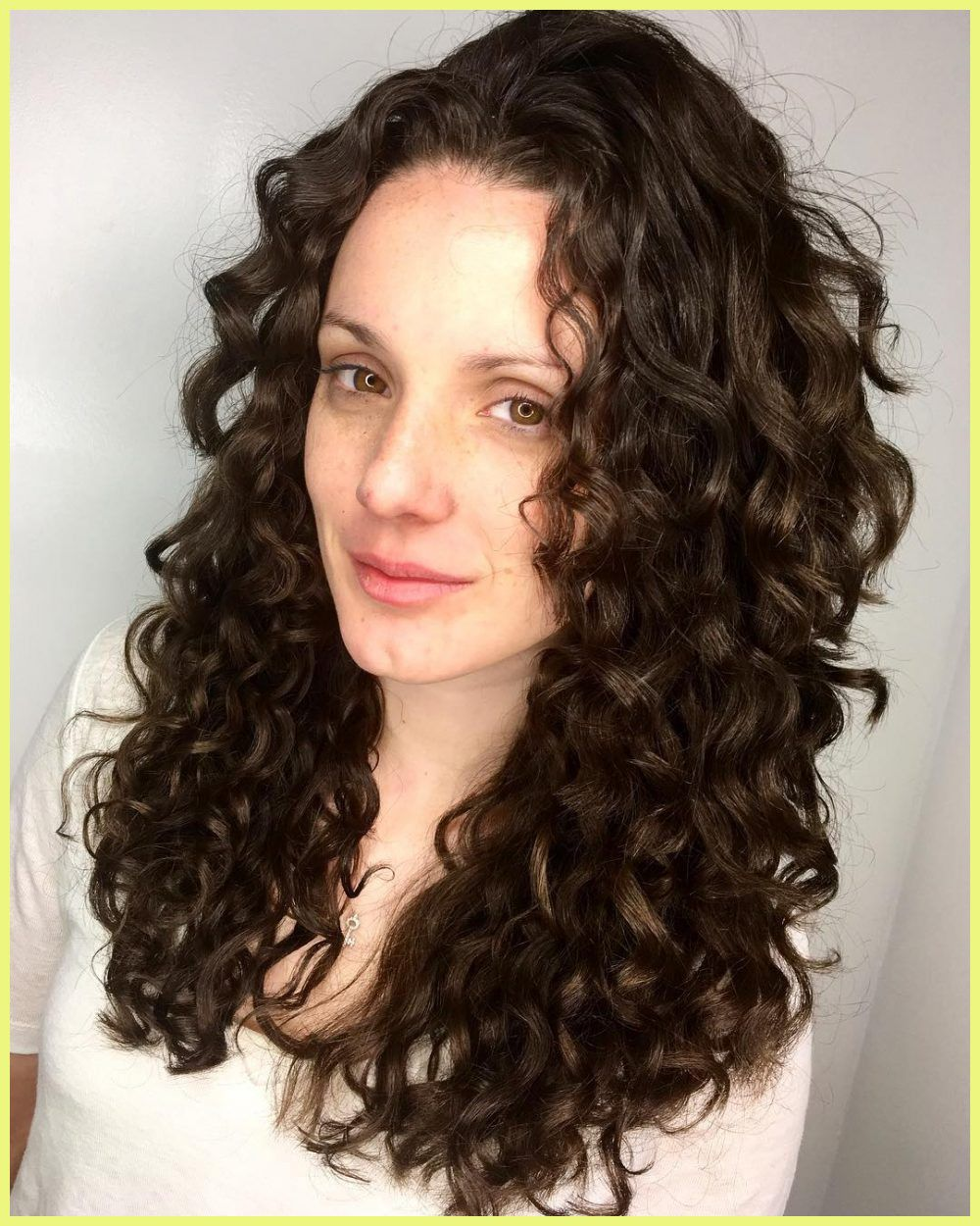 Long Curly Haircuts 95567 Long Curly In 2020 Curly Hair Styles Curls For Long Hair Curly Hair Styles Naturally