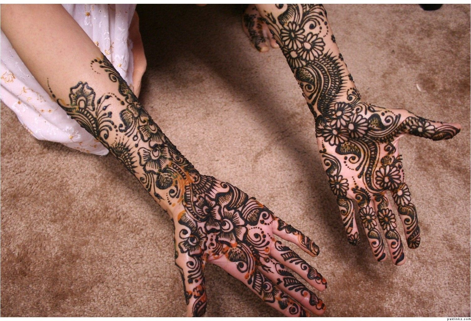 Arabic Mehndi Flower : Arabi mehandi design patterns images book for hand dresses kids