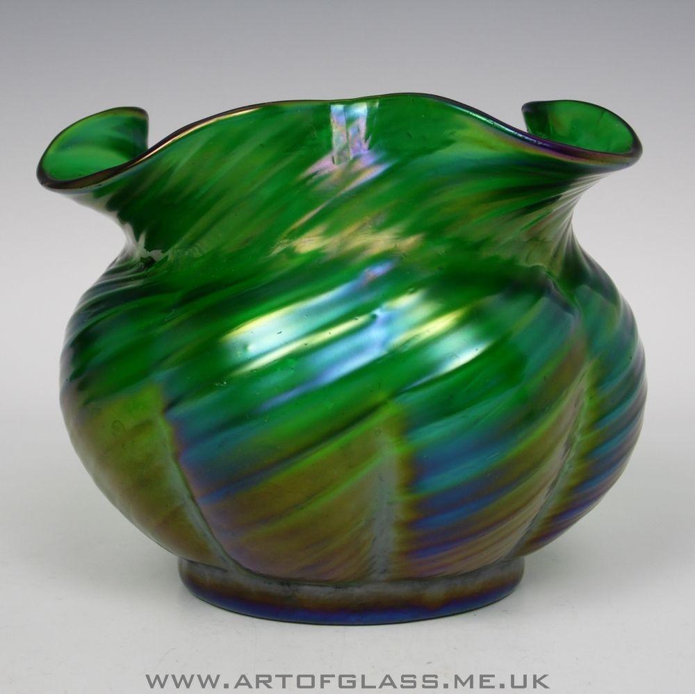 Antique art nouveau bohemian kralik ribbed iridescent green glass antique art nouveau bohemian kralik ribbed iridescent green glass posy vase reviewsmspy