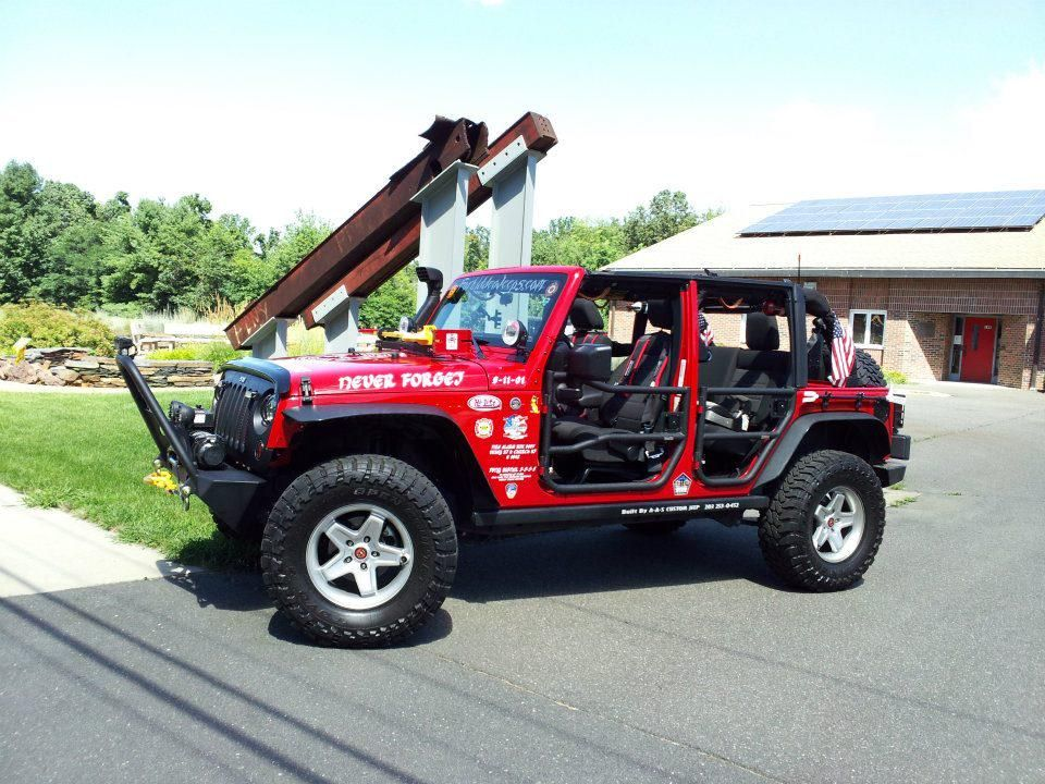 """""""@PatrioticJeeps: #Firefighter s love Jeeps too!  Great for brush response and rescue work. """" @bsacks10"""