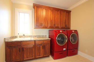 4888 Wood Haven Ct  South Lebanon, OH 45065  Red Washer and Dryer