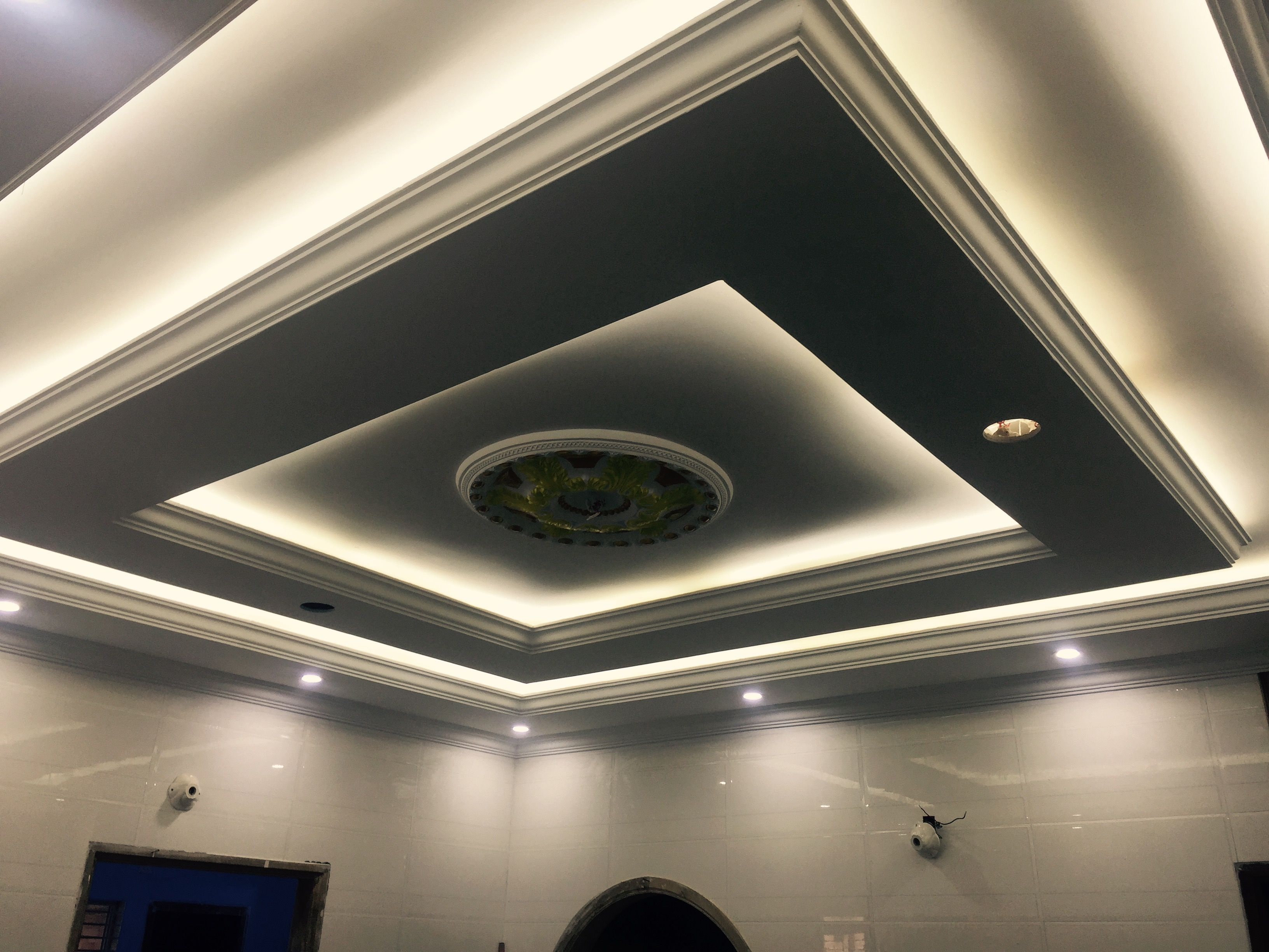 The wonderful photograph below is part of pop fall for Best fall ceiling designs