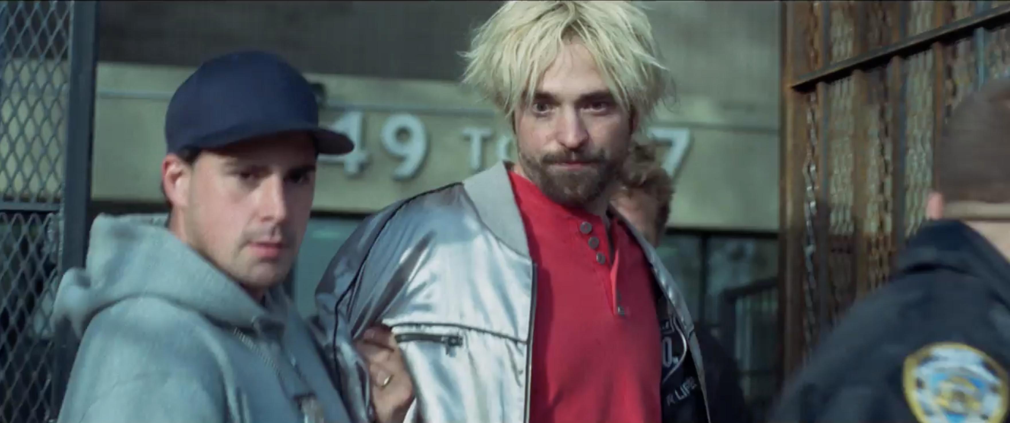 Robert Pattinson Rocks Bleach Blond Do New Yawk Accent In New Movie Robert Pattinson New Movies Robert Pattinson News