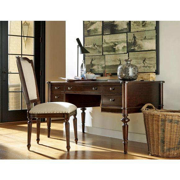 dieser schreibtisch ist die perfekte wahl f r vintage fans der tisch spiegelt die sthetik um. Black Bedroom Furniture Sets. Home Design Ideas
