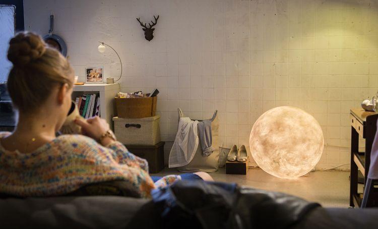 Luna Light Lampen : Luna moon lamp by acorn studio the potato mond