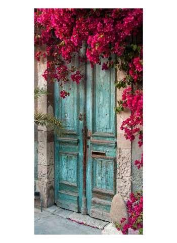 Photo of Porta con motivo floreale di bouganville