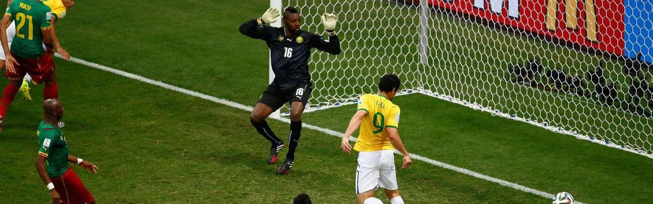 #Fifa admite erro na linha de #impedimento no gol de #Fred http://dld.bz/dsXzX